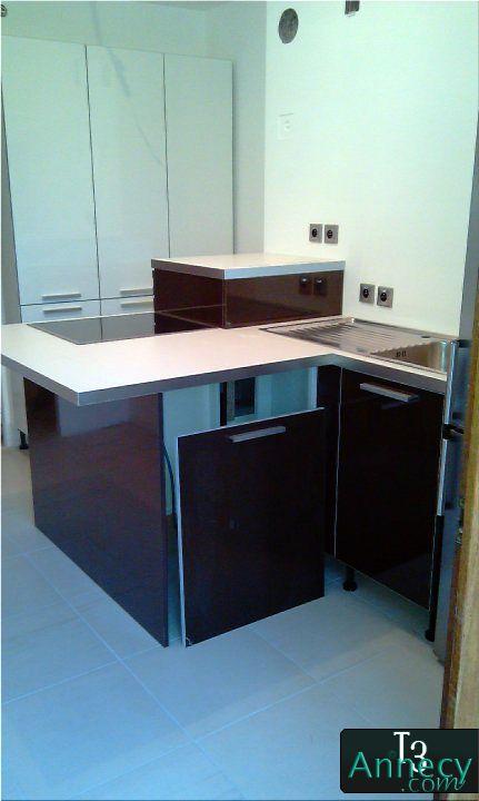 fixation des meubles de cuisine. Black Bedroom Furniture Sets. Home Design Ideas